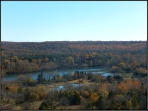 Illinois River within Hills.JPG