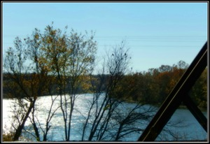 Illinois River from Bridge.JPG